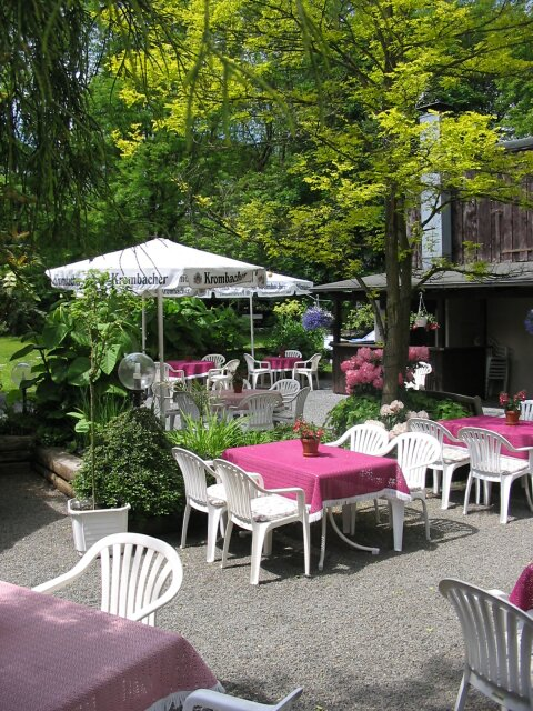 der biergarten einer der besten in gummersbach schwarzenberger hof. Black Bedroom Furniture Sets. Home Design Ideas